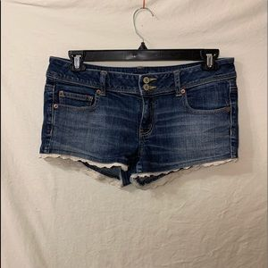 American eagle dark wash jean shorts with lace